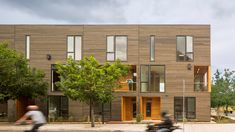 Hacker Architects designs housing in central Oregon for outdoorsy types Portland Architecture, Architecture Awards, Architecture Design, Drawing Architecture, Architecture Portfolio, Architect Design House, House Design, Wood Facade, Architect Magazine
