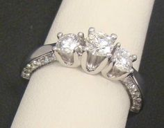 14K WHITE GOLD RING 3 STONE DIAMOND ENGAGEMENT 1.00 CT TW 4.9g SIZE 7.50