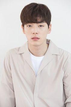 Kim Joong Hyun, Ahn Jae Hyun, Jung Hyun, Asian Actors, Korean Actors, Korean Drama Online, Jealousy Incarnate, Korean Drama Romance, Kdrama Actors