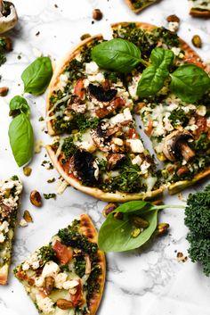 Pistachio+Kale Pesto Feta Pita Pizzas | Gringalicious