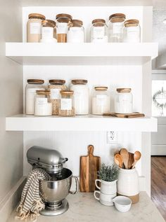 Minimalist Pantry Labels Personalization Available Durable Water & Oil Resistant Square or Round fits Mason Jars Kitchen Küchen Design, House Design, Label Design, Design Table, Design Ideas, Design Inspiration, Design Layouts, Smart Design, Bedroom Minimalist