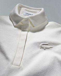 Un polo Lacoste Fashion Mode, Mens Fashion, Fashion Boots, Lacoste Polo, Le Polo, Fashion Details, Fashion Design, Camisa Polo, Sport Wear
