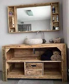 Rustic Creations Out of Used Wood Pallets Give a traditional style decoration taste to your bathroom with this rustic living idea. It is beautifully designed here with the tempting beauty. Wooden Pallet Projects, Wood Pallet Furniture, Rustic Furniture, Wood Pallets, Diy Furniture, Furniture Design, Pallet Ideas, Antique Furniture, Modern Furniture