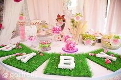shabby garden girl baby shower 50 http://hative.com/cute-baby-shower-decoration-ideas/