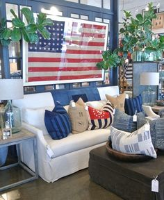 american flag and pillows! all that's missing is the union jack! swoon!!