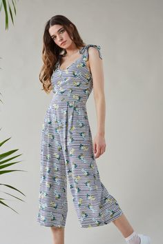 d404089398cb67 A playful jumpsuit is a must for summer. With loose fitting