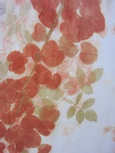 Again I tried the eco prints on silk fabric.    I bought from florist the fresh eucalyptus cinerea leaves and got the free rose leaves. ...