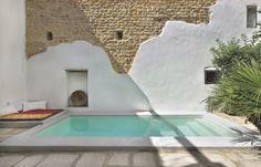 piscina de microcemento pulido