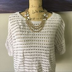 Light and airy Sweater Ask all your questions prior to purchasing. Perfect for jeans and black pants! Rock & Republic Sweaters