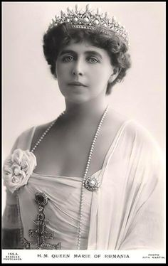 The Romanian Massin Tiara. Queen Marie of Romania, taken about During WWI the Romanian jewels were placed in a Moscow bank for safekeeping. They were subsequently seized by the Bolsheviks, and never seen again. Royal Tiaras, Tiaras And Crowns, Romanian Royal Family, Royal Jewelry, Jewellery, Queen Mary, Kaiser, Crown Jewels, Queen Victoria