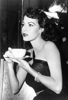 Ava #Gardner, 1940s. #coffee