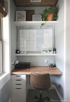 Tiny Home Office, Home Office Closet, Small Home Offices, Small Space Office, Desks For Small Spaces, Home Office Space, Furniture For Small Spaces, Home Office Design, Home Office Decor