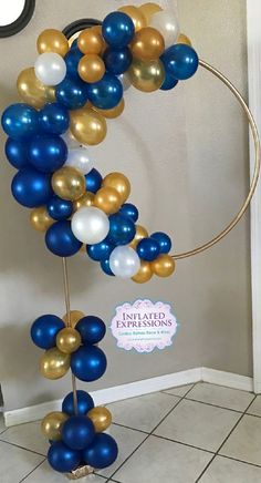 "What about decorating a hula hoop at your next party? Out there it is known as ""hula hoop wreath"", that is, ""Hula hoop garland"". Balloon Tower, Balloon Columns, Balloon Arch, Balloon Garland, Balloon Centerpieces, Balloon Decorations, Birthday Decorations, Wedding Decorations, Masquerade Centerpieces"