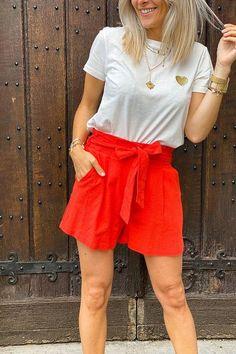 Quoi de mieux que les couleurs vives pour passer l'été ? Look Short, Casual Shorts, Short Dresses, Orange, Inspiration, Collection, Women, Fashion, Clothing