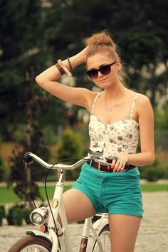 Summer look:) Flowers and colored shorts:)