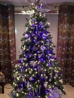 Stunning Christmas Tree Decorating Ideas | Purple christmas tree ...