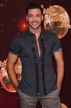Strictly Come Dancing's Giovanni Pernice puts on a brave face at launch show… Stricly Come Dancing, Strictly Come Dancing 2017, Strictly Dancers, Strictly Professional Dancers, Salsa Classes, Strictly Professionals, Learn To Dance, Billboard Music, Romantic Movies