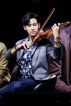 Violin, Music Instruments, Asian, Actors, Musical Instruments, Actor
