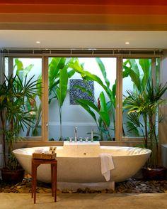 simply amazing bath tub surround with plants, atrium, rocks, etc. (and did I mention the fabulous soaking tub? Garden Bathroom, Bathroom Spa, Small Bathroom, Outdoor Baths, Outdoor Bathrooms, Style At Home, Estilo Tropical, Tropical Bathroom, Bathroom Trends