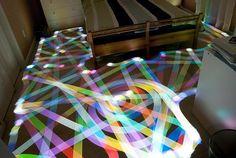 光の芸術。長時間露光で撮られた美し作品7つ ルンバが描く光の模様