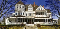 <3<3<3 LOVE this home! Porches AND Turrets = my BLISS <3