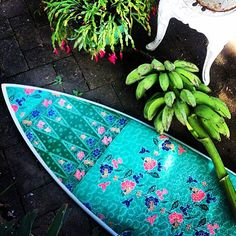Crushing on the amazing custom surfboards from @nusaindahsurfboards 😍 #regram #customsurfboards #takemetoaustralia #designinspo #surfboard