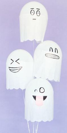 Silly Ghost Halloween Craft |Make these easy balloon crafts with the kids for some fun Halloween party decor!