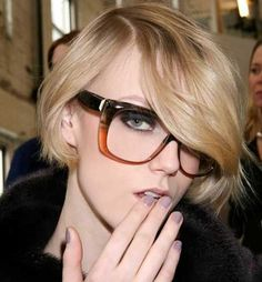 The Latest Hair, Makeup, And Beauty Trends Summer Haircuts, Short Bob Haircuts, Short Hairstyles For Women, Cute Hairstyles, Layered Hairstyles, Woman Hairstyles, Holiday Hairstyles, Hairstyles 2016, Beauty Trends