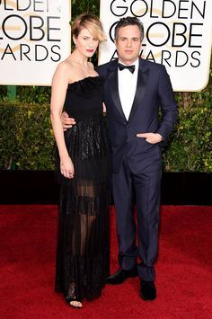 Mark Ruffalo Photos - Actors Sunrise Coigney and Mark Ruffalo attend the Annual Golden Globe Awards at The Beverly Hilton Hotel on January 2015 in Beverly Hills, California. - Arrivals at the Golden Globe Awards — Part 2 Mark Ruffalo, Golden Globe Award, Golden Globes, Celebrity Red Carpet, Celebrity Style, Celebrity Couples, Fashion News, Fashion Show, Fashion Design