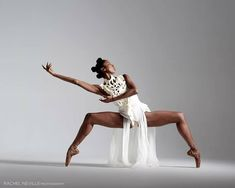Ashley Mayeux of Alvin Ailey American Dance Theater Photo by Rachel Neville Dance Photography Poses, Dance Poses, Creative Dance Photography, Alvin Ailey, Ballet Art, Ballet Dancers, Modern Dance, Yoga And More, Dance Tutorial
