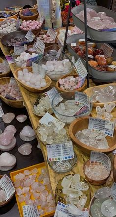 Crystals And Gemstones, Stones And Crystals, Crystal Room, Crystal Altar, Crystal Aesthetic, Baby Witch, Witch Aesthetic, Crystal Healing Stones, Good Energy