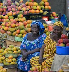 "Dakar, Mangoes ""Fepp"" (= partout/everywhere)  w/ @d.gontier #senegal"