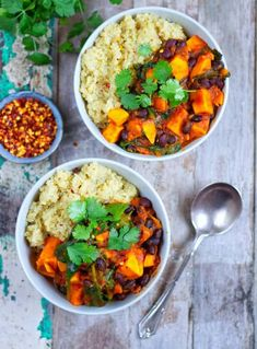 Sweet Potato & Black Bean Stew - Healthy Living James Gluten Free & Vegan and £1 a portion! Allergy Free Recipes, Vegetarian Recipes, Cooking Recipes, Healthy Recipes, Veggie Recipes, Delicious Recipes, Diet Recipes, Black Bean Stew, Cooking