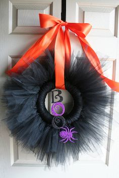 Tulle Wreath for Halloween- would choose a different ribbon though