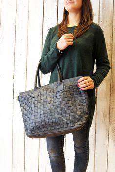 """Handmade woven leather bag """"INTRECCIATO 44"""" di LaSellerieLimited su Etsy"""