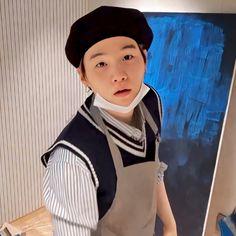 200424 min yoongi painting during a yt live Bts Suga, Min Yoongi Bts, Bts Bangtan Boy, Bts Taehyung, Daegu, Yoonmin, Mixtape, Seokjin, Hoseok