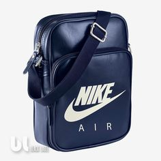 9a2a54c0f5f6 Nike Air Heritage Si Small Items II Tasche Schultertasche Umhängetasche  Blau Uni in Kleidung & Accessoires