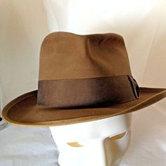 e584c6004ded6 Vintage 1950s Royal Stetson Whippet Style Fedora Hat for Wanamaker Brown 7 -5 8