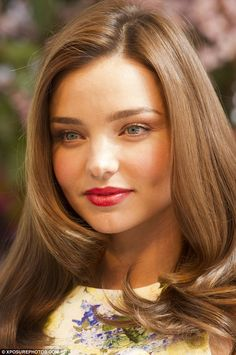 light brown hair  Hair color of the people of Esperer