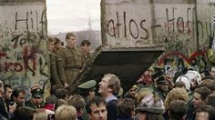 The Most Iconic Images Of The 1980s fall of wall