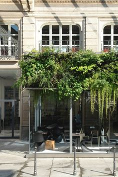 The Unexpected Garden is a project for the Trussardi Fashion House; the extension of the Trussardi Cafe through a closed terrace follows a study of new functions for the ground floor of the headquarters of the fashion house in Piazza della Scala,...