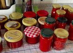 Ajvar - cooked pepper spread for winter NejRecept. Home Canning, Marmalade, Nespresso, Pesto, Pickles, Coffee Maker, Food And Drink, Stuffed Peppers, Homemade