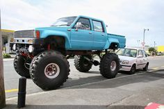 Lifted Hilux with a 1UZ.