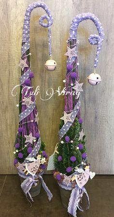 Grinch Christmas Party, Cone Christmas Trees, Winter Christmas, Merry Christmas, Christmas Decorations, Xmas, Garden Pots, Plant Hanger, Diy Gifts