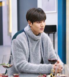 Lee Min Ho as Heo Joon Jae in Legend of the Blue Sea Asian Actors, Korean Actors, Heo Joon Jae, Lee Min Ho Dramas, Legend Of Blue Sea, Lee Min Ho Photos, Man Lee, New Actors, Boys Over Flowers