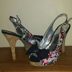 Floral Rampage platform heels 5 inch slingback platform high heels by Rampage. Very cute and casual with a little black bow. Very good condition, though I think they were worn a little bit inside. Rampage Shoes Heels