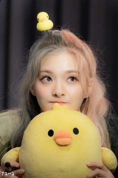Kpop Girl Groups, Kpop Girls, My Girl, Cool Girl, Girl Iphone Wallpaper, Teen Celebrities, Korean Girl Fashion, Young Baby, Having A Crush