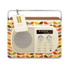 So cute!  Pour en savoir plus : Radio numérique – Evoke mio by Orla Kiely - Marie Claire Maison