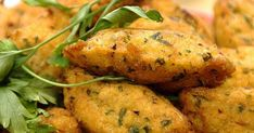 Pastels. Ou gâteaux de morue. Appelés bolinhos de bacalhau, les pastels ou gâteaux de morue sont une spécialité de la cuisine portugaise.. La recette par Cuisine Portugaise.
