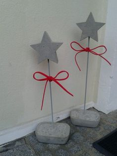 beton deko Weihnachten DIY Barbara Kamp www.de – # - Beton Diy - New Ideas Plaster Crafts, Concrete Crafts, Concrete Projects, Cement Art, Concrete Art, Noel Christmas, Christmas Crafts, Christmas Decorations, Papercrete